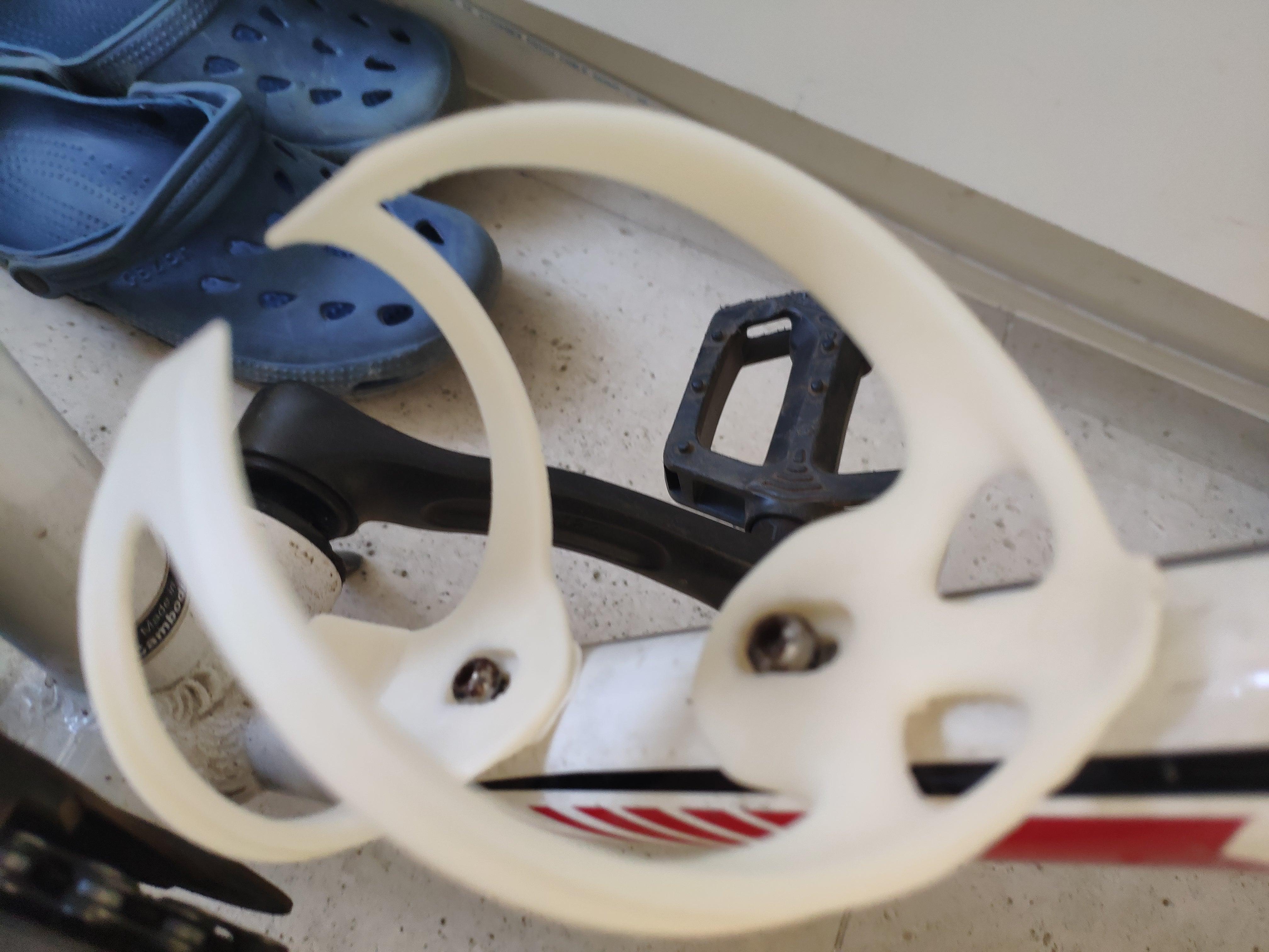 Bisiklet İçin Su Şişesi Koyma Aparatı