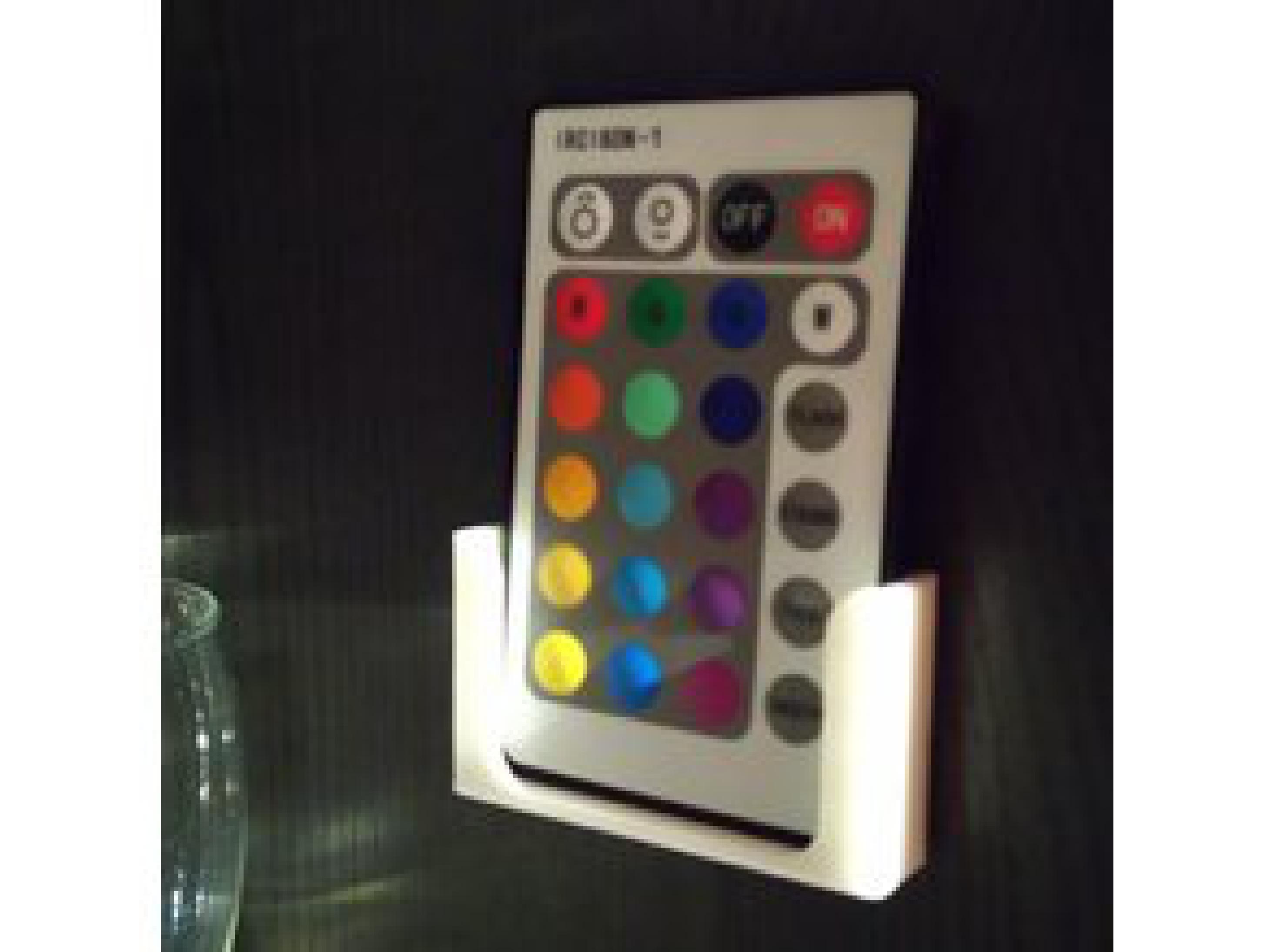 RGB LED Şeritli Uzaktan Kumanda Tutucu  Organik Plastikten