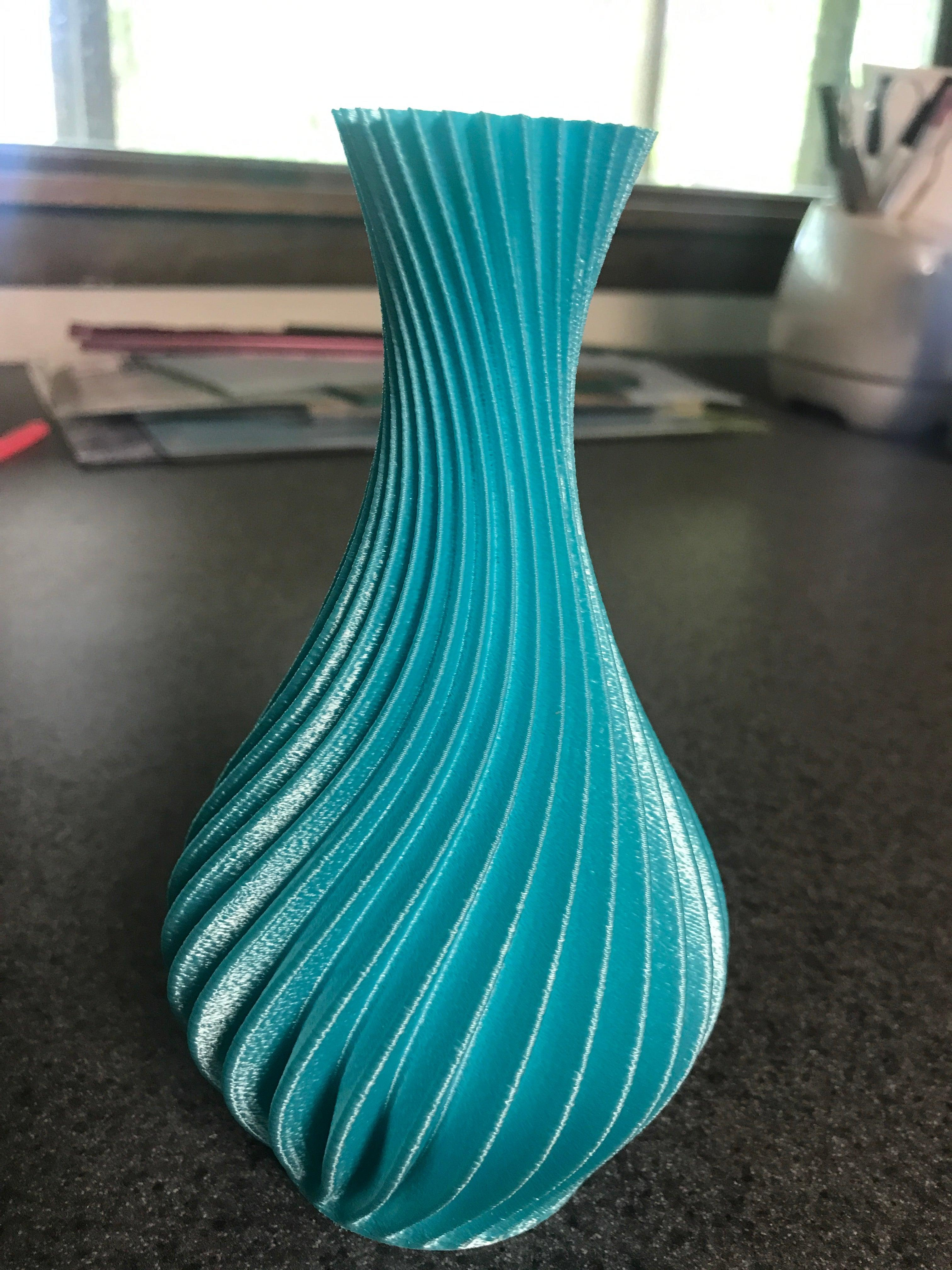 Spiral Vazo Saksı Dekor Biblo Çiçek Hediyelik Süs Eşyası Masaüstü