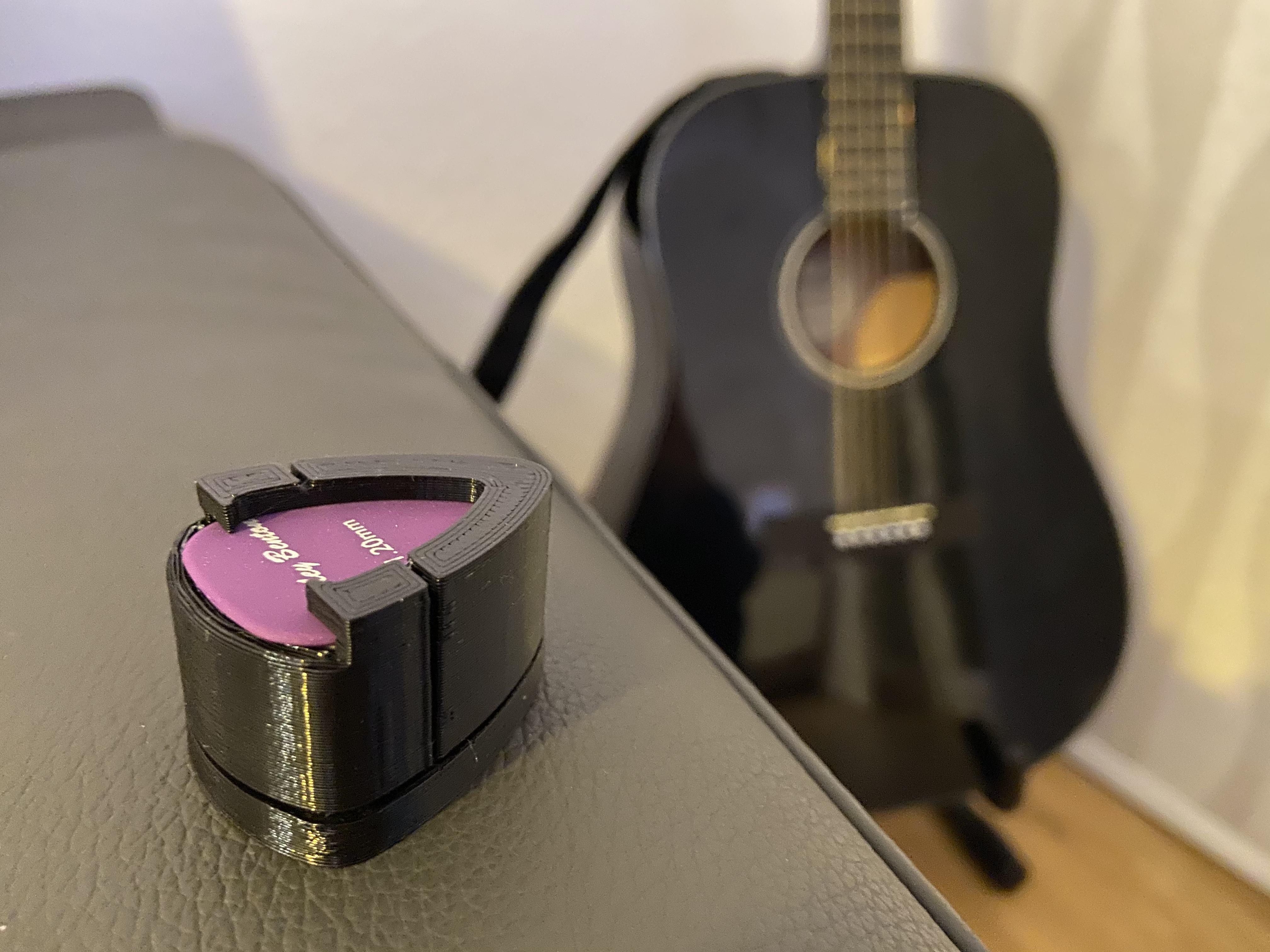 Gitar Pena  Tutucu Kabı Kutusu