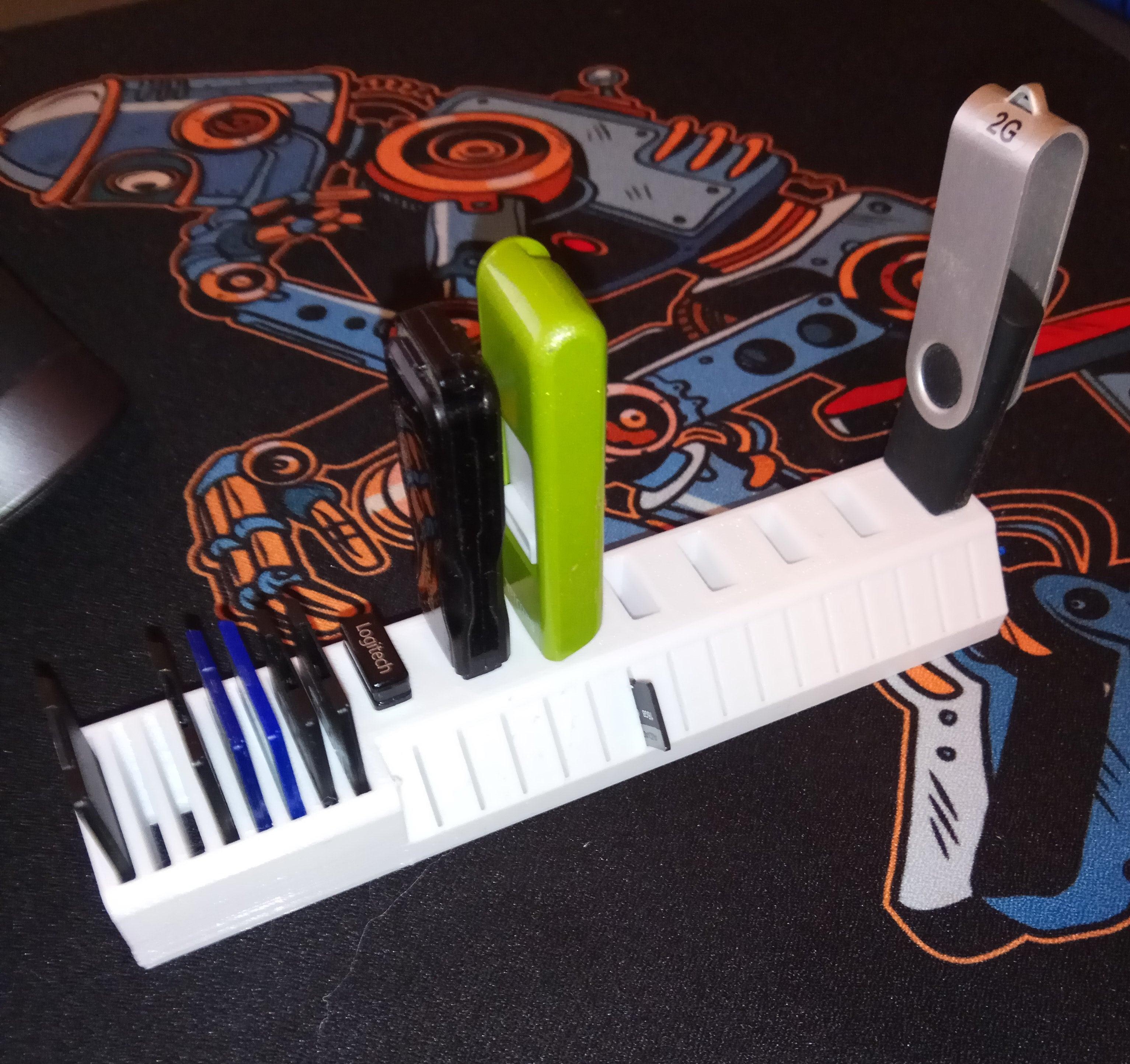 Geniş USB'ler için USB SD ve MicroSD kart tutucu