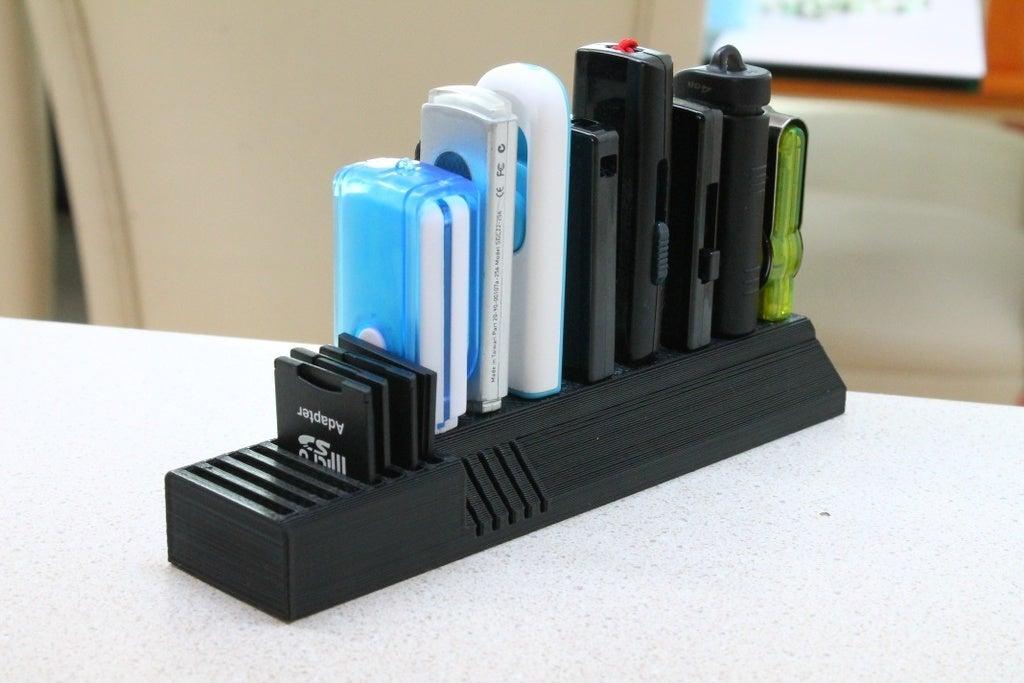 Geniş USB'ler için USB ve SD kart tutucu