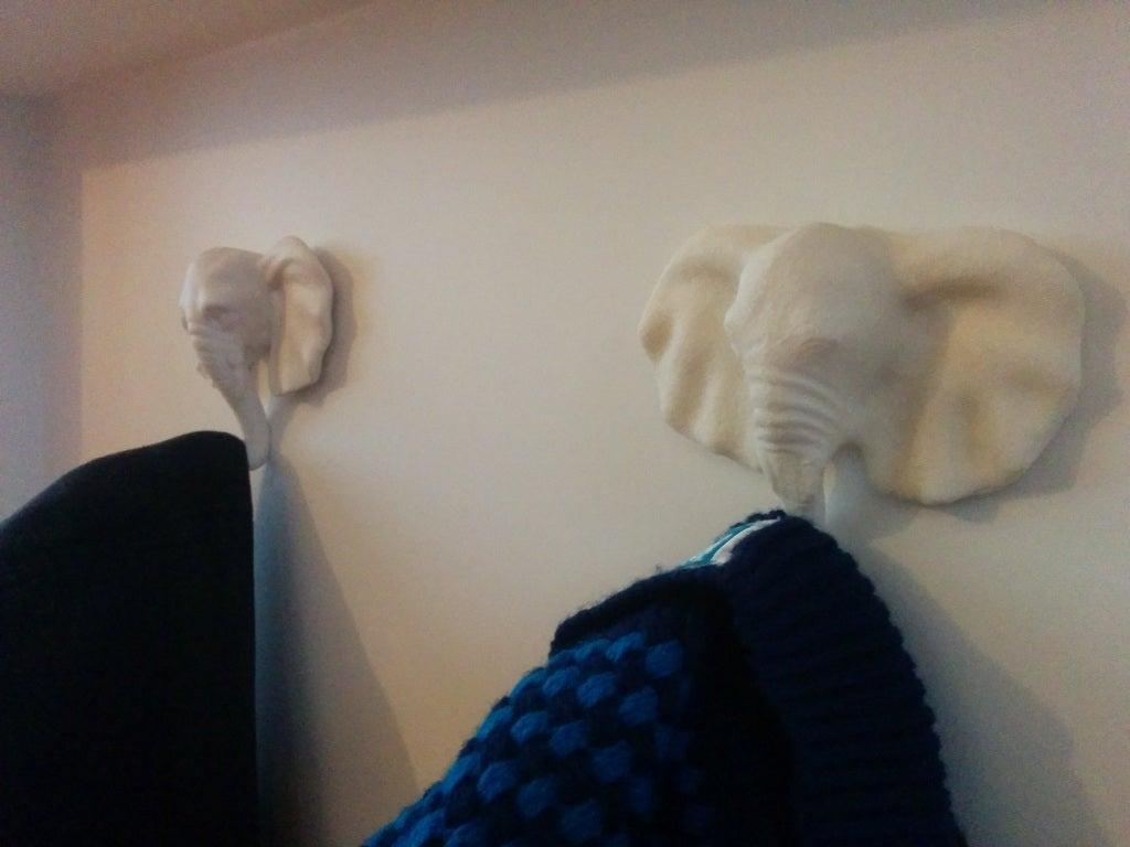 Fil Elbise Askısı