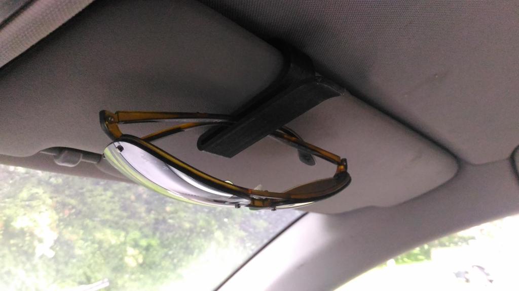 Sunglass Araba Klip Tutucu Askısı Standı Aparatı güneş gözlüğü