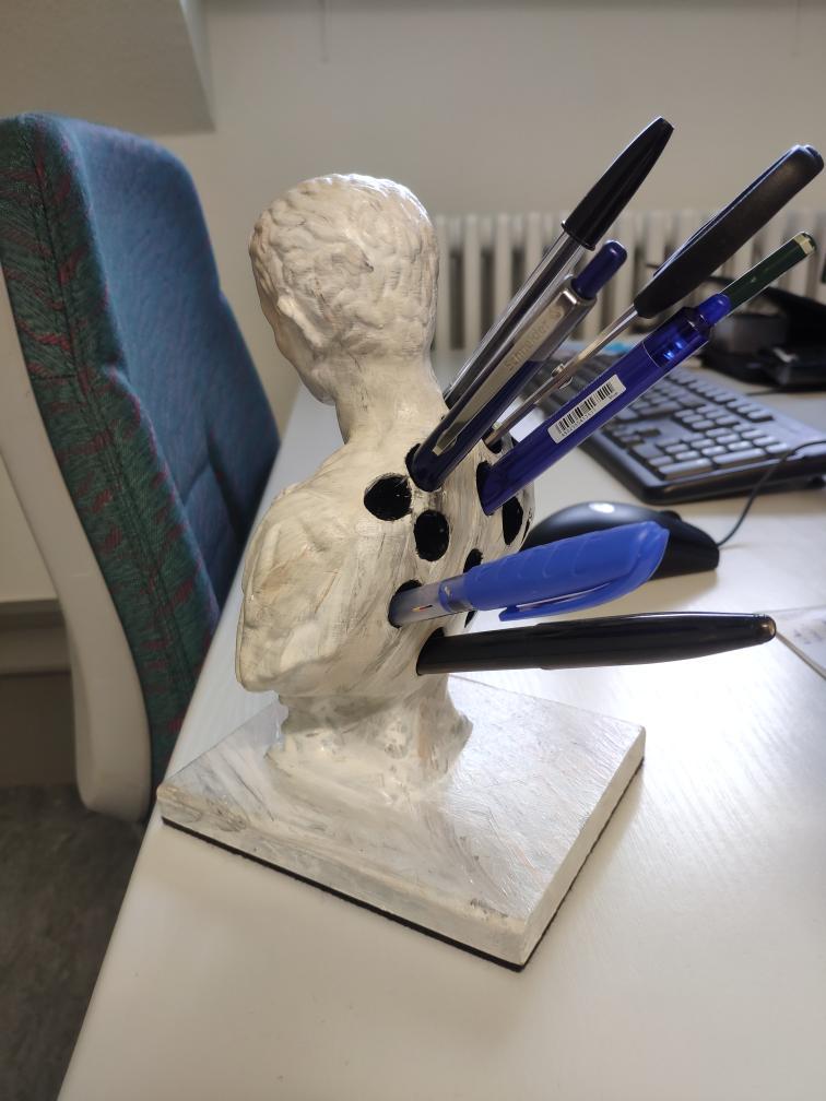 Jül Sezar Brütüs Kalemlik Masaüstü Çalışma Masası